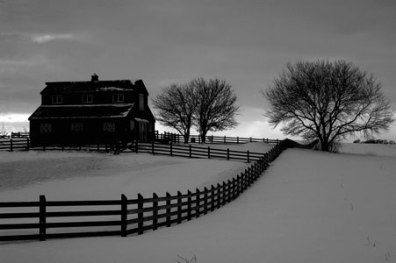 winter-barn-017-b&w